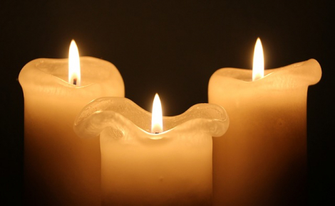 gallery/candles-1135017_640